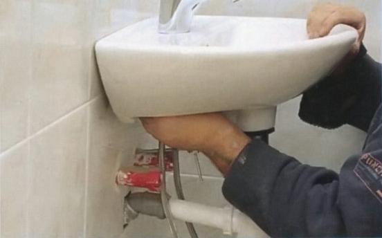 Установить раковину в ванной своими руками